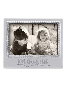 Love Grows Here 4x6 Frame