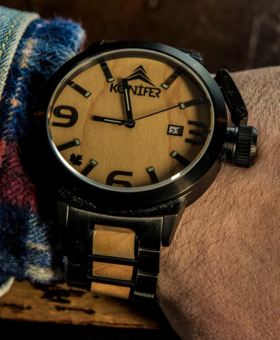 Konifer Karbon Black Matte Stainless + Maple | Watch