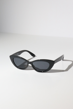 Reality Byrdland Sunglasses in Black