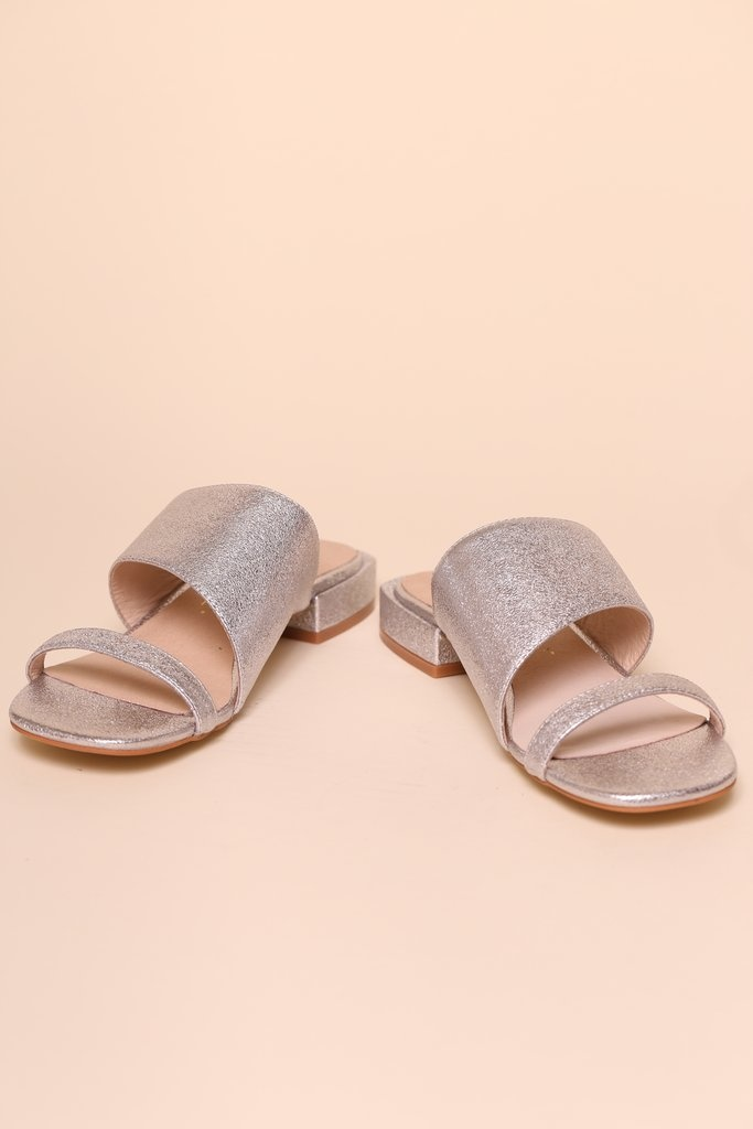Intentionally Blank Jes Sandal in Silver