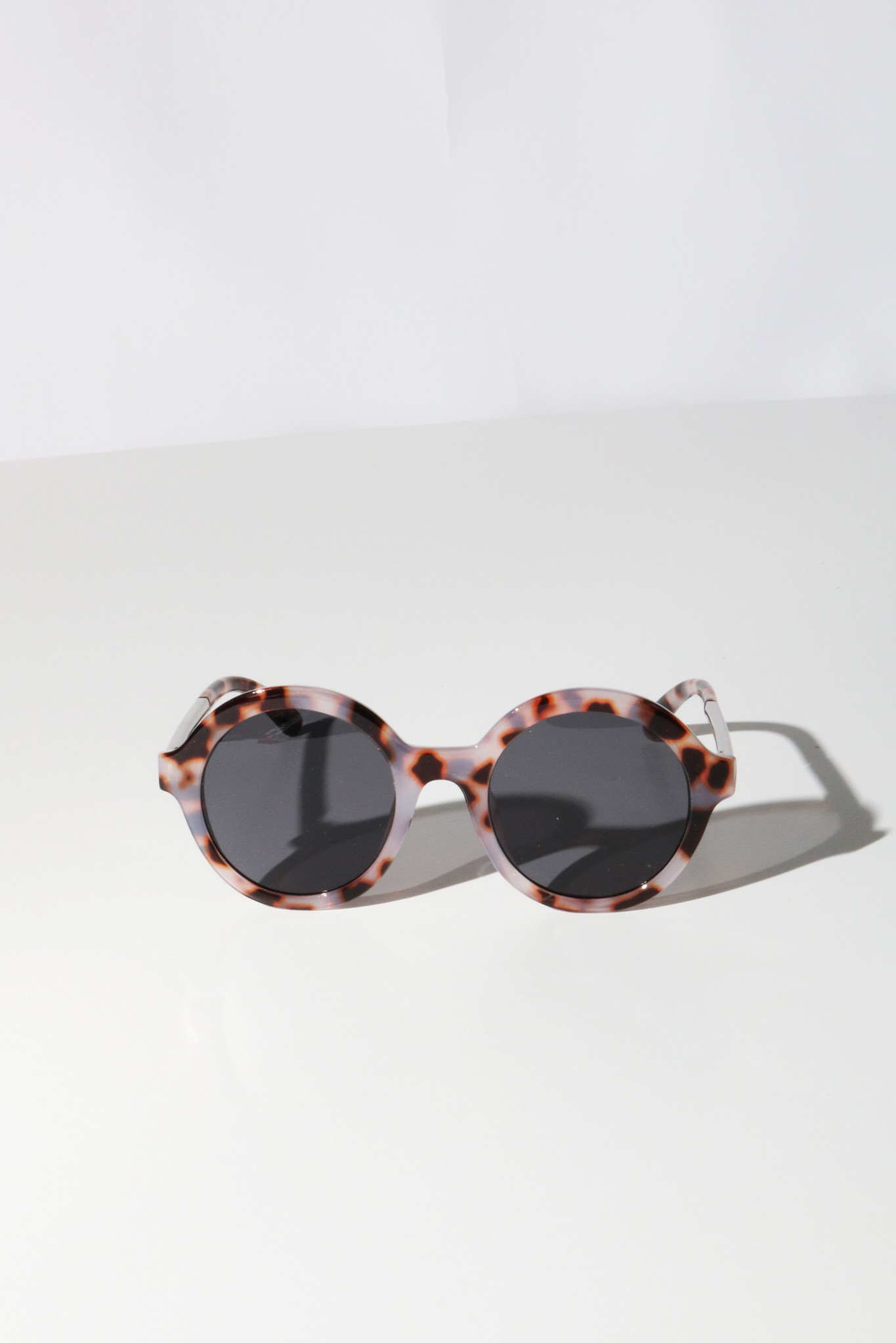 Reality Mind Bomb Sunglasses in Grey Turtle