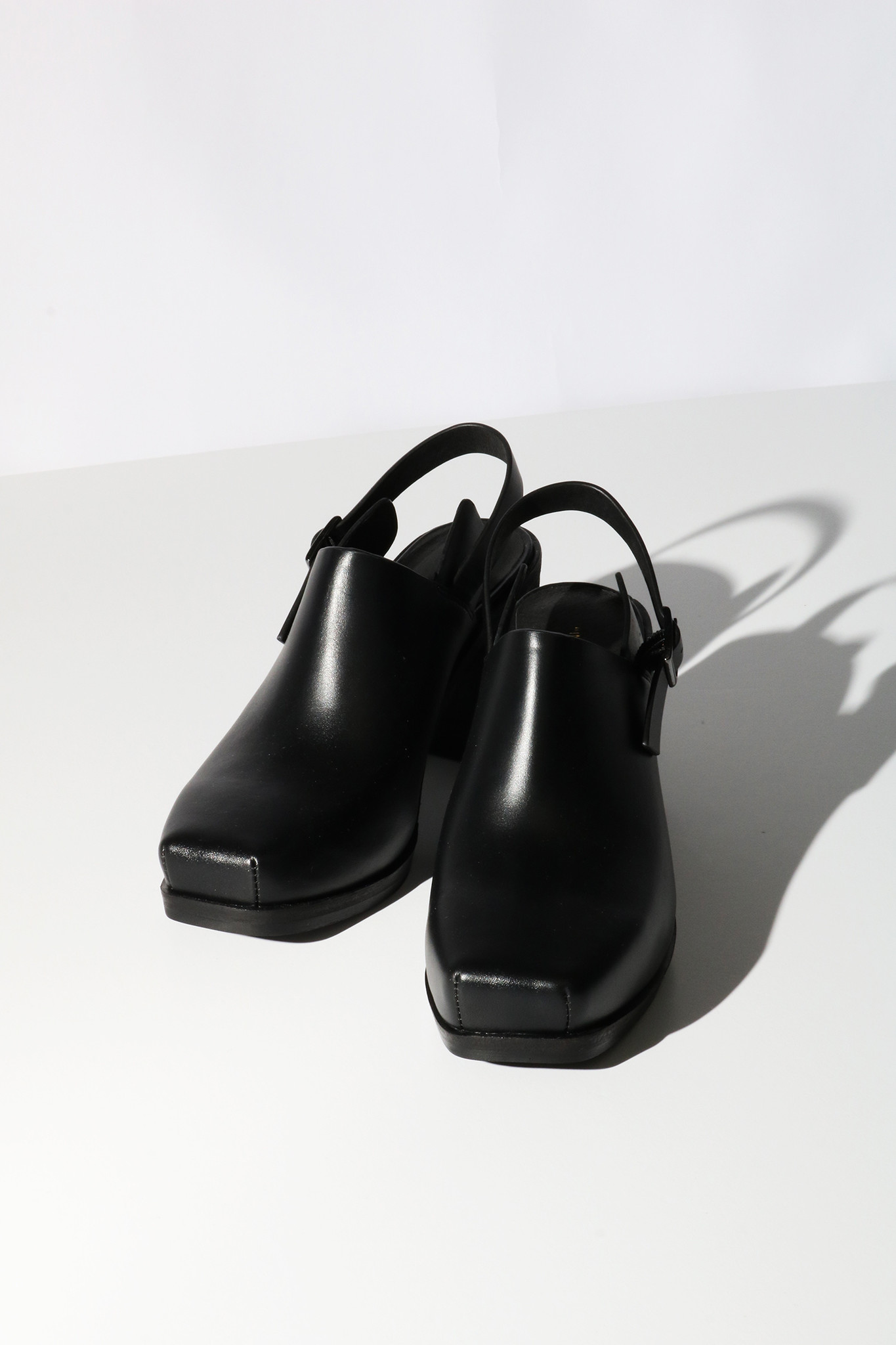 Intentionally Blank Honcho Mule in Black