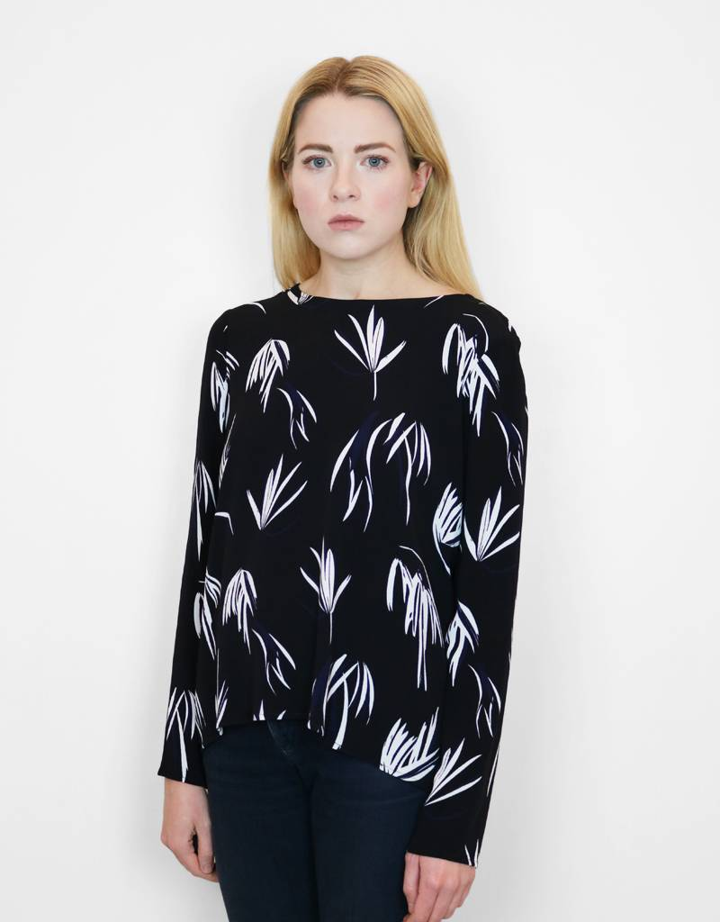 Just Female Maise Blouse in Black Fern