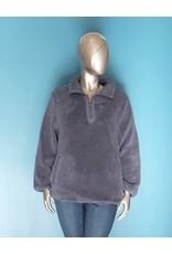 Keren Hart Fluffy Pullover Sweater