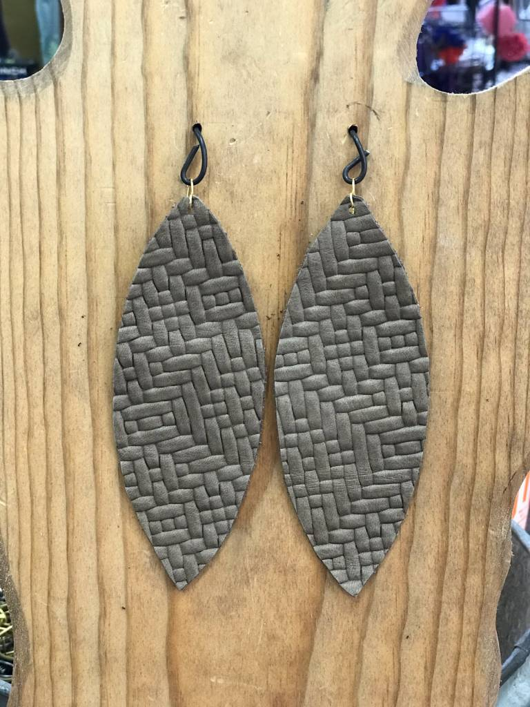 Diamond T Outfitters Taupe Weave Oval Earring