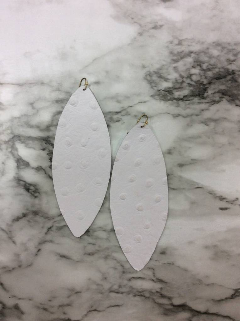 Stamping821 White Ostrich Oval Earring