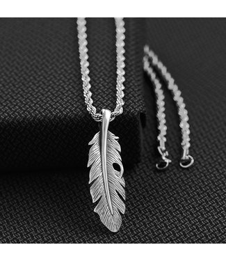 M&F Western Twister Men's Feather Necklace