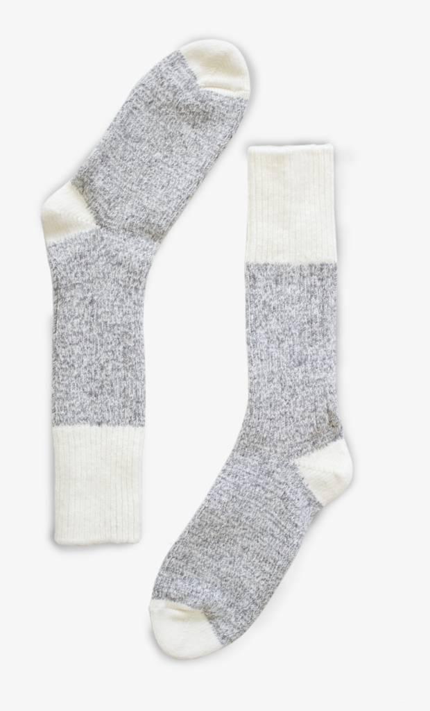 Bonnetier Bas de laine gris long pour le Chalet