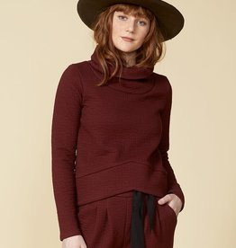 Cokluch RED SPARROW Top (Burgundy)