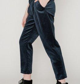 Allison Wonderland Pantalon Stills