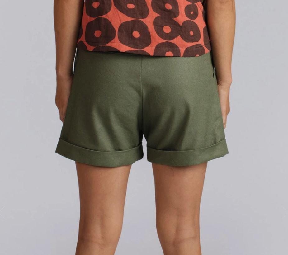 Allison Wonderland Barres Shorts