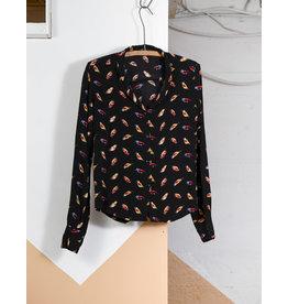 Chemise noire oiseau colore