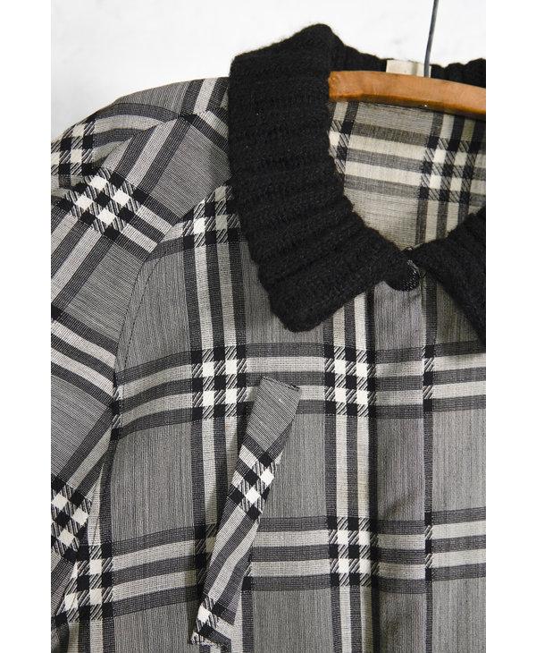 Light Jacket Grey Plaid Knit Collar