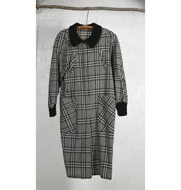 Manteau leger carreau gris col tricot noir