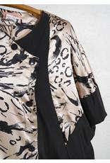 Robe asymetrique noir et animal or