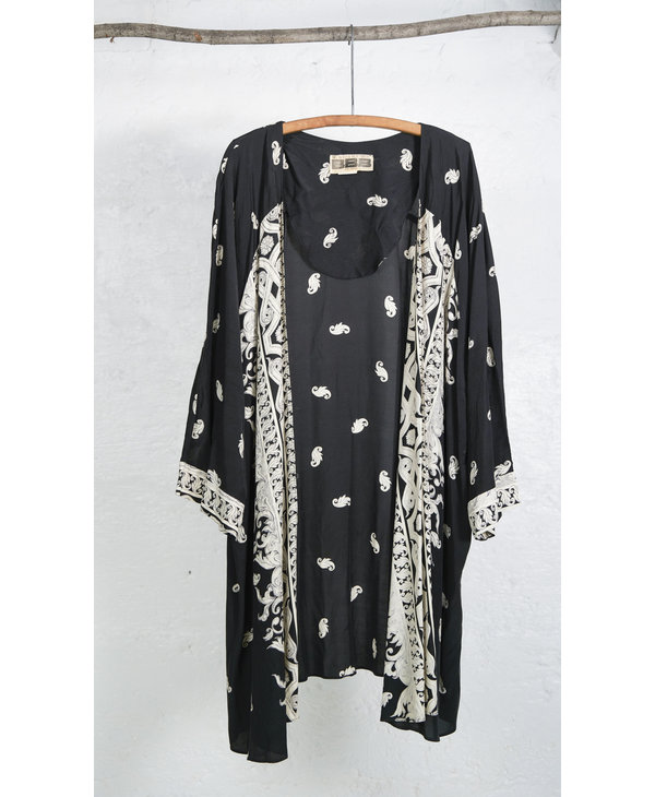 Paisley Kimono Black Cream