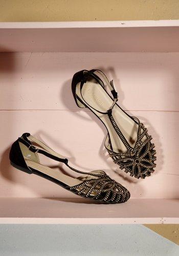 Black sandal with gold stud
