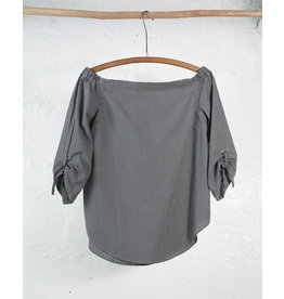 Vichy blouse with large collar and pleated sleeves