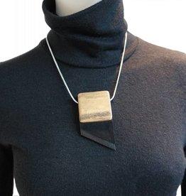 Louve Montreal Collier Cravate Asymétrique