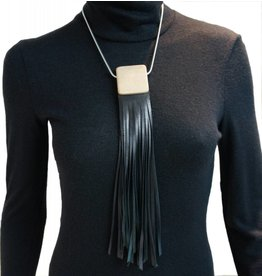 Louve Montreal Collier Franges Cuir Noir