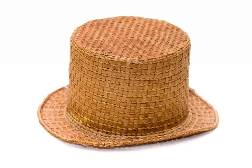 Cedar top hat