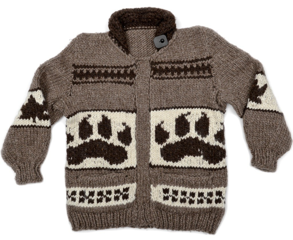 XL Wolf Pullover Cowichan Sweater