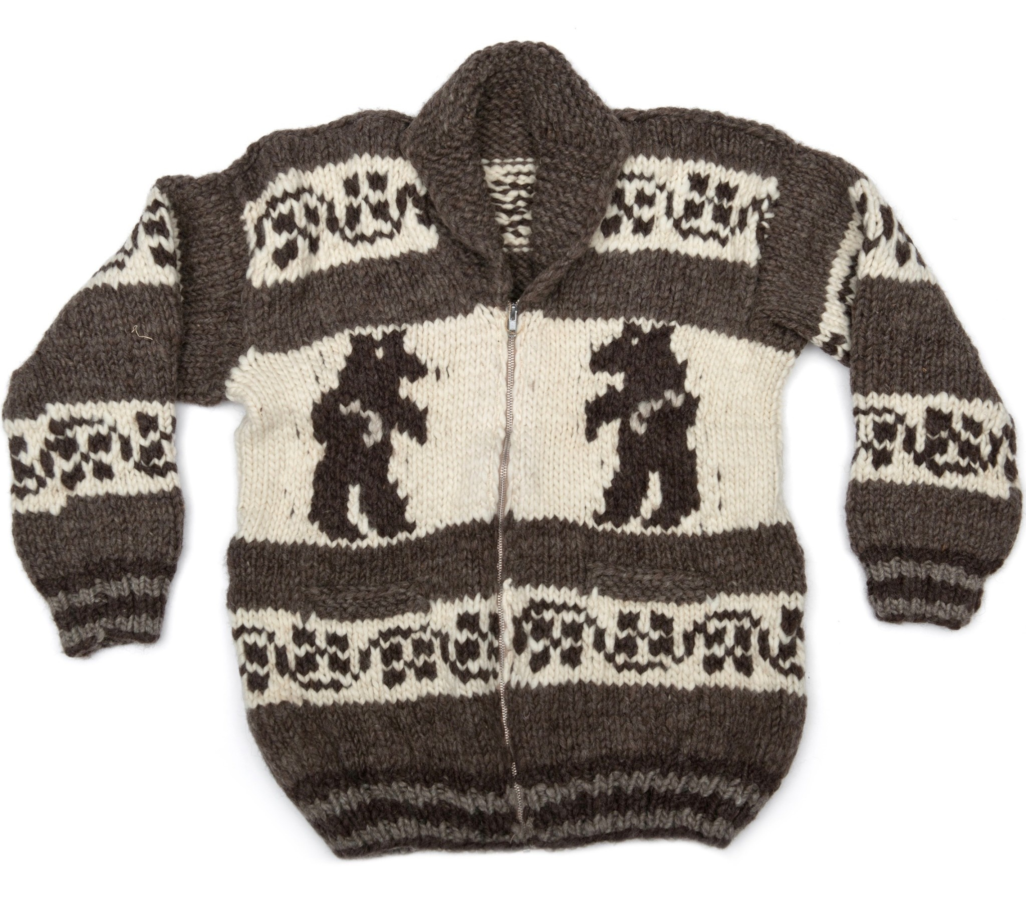 M/L Cowichan Sweater Bear design
