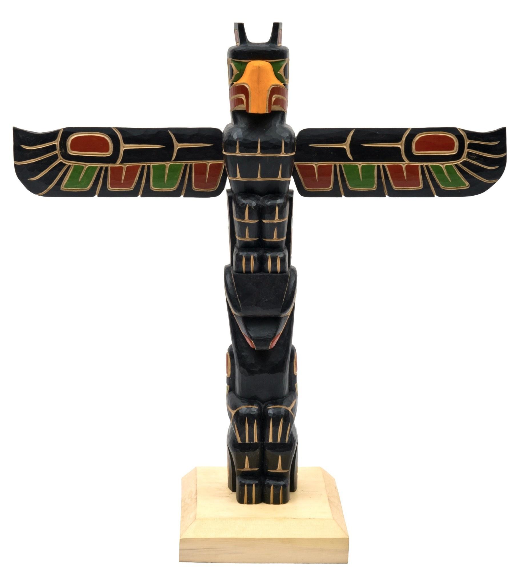 Eagle and Bear Model Totem Pole