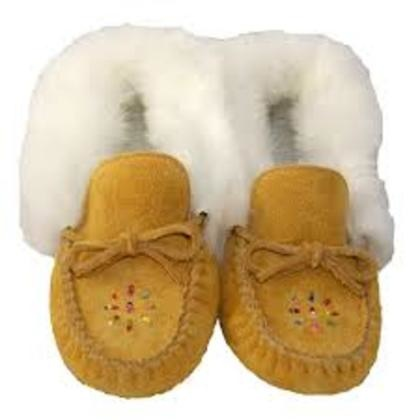 Ladies Reversed Moosehide with White Fur Trim Moccasin