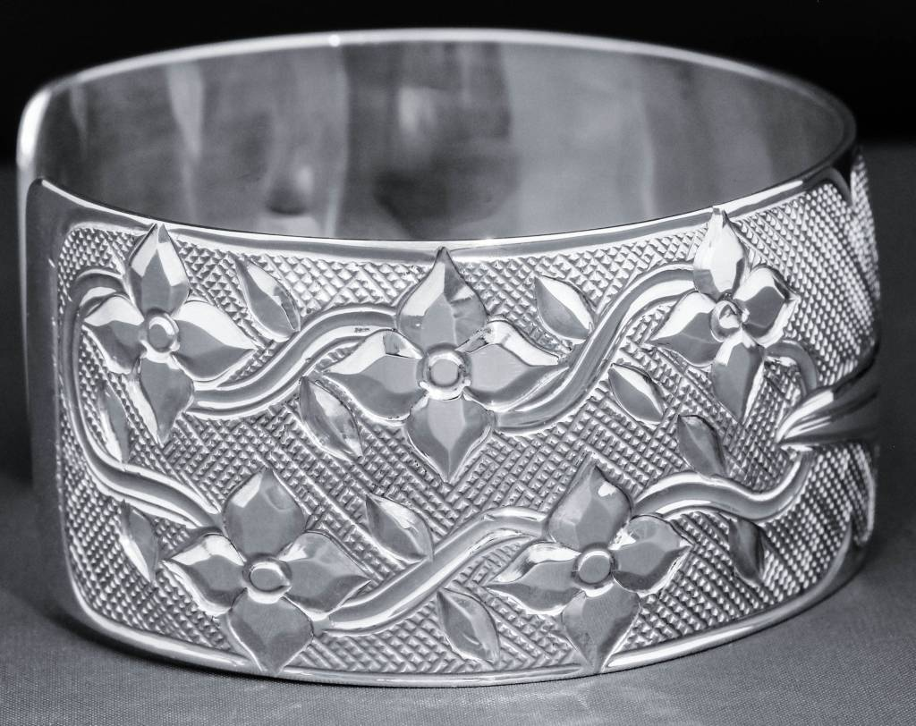 "1"" Silver Hummingbird Bracelet by Carrie Matilpi"