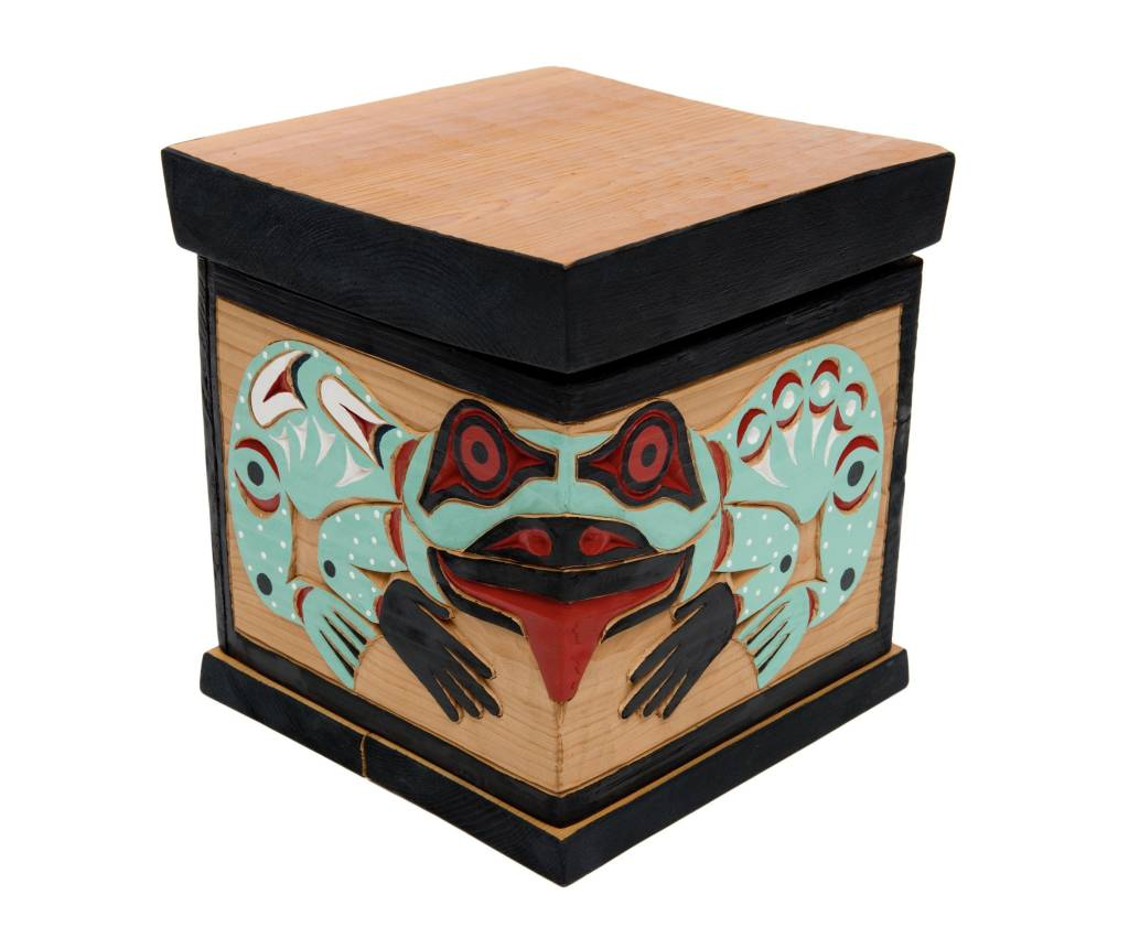 "tsaw 10"" by 9"" Beaver / Frog Steam Bent Box by William Good (Nanaimo/Coast Salish)."