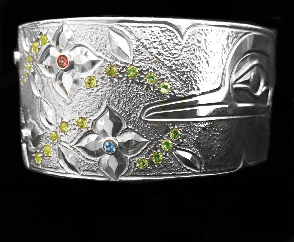 "1 1/8"" Silver Hummingbird Bracelet with Stones"