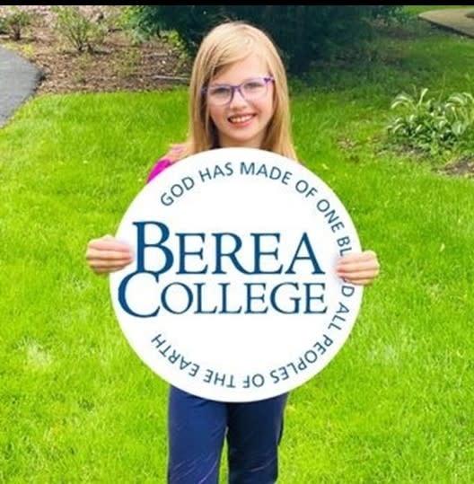 Berea College Circle Logo Yard Sign*-1