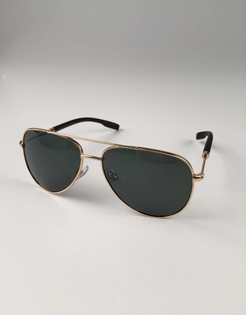 497bd9ab106c9 Aviator with a Gold Frame and Black Lenses - WOW Warehouse