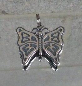 AG2121c Small Butterfly Charm
