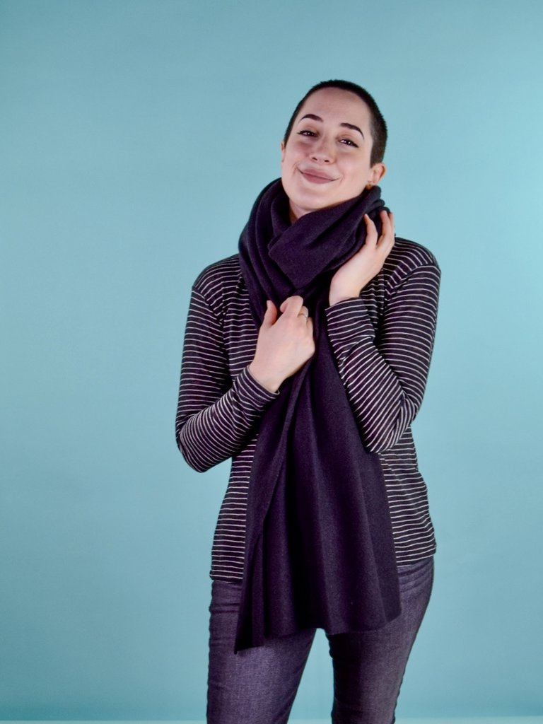 Oats Addy Cashmere Wrap - Black