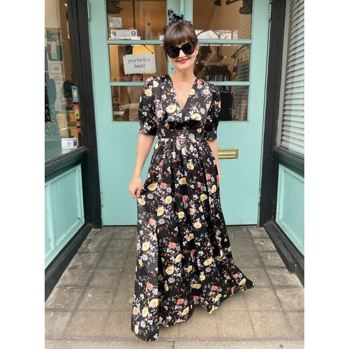 Frnch Ami Dress - Black Bouquet