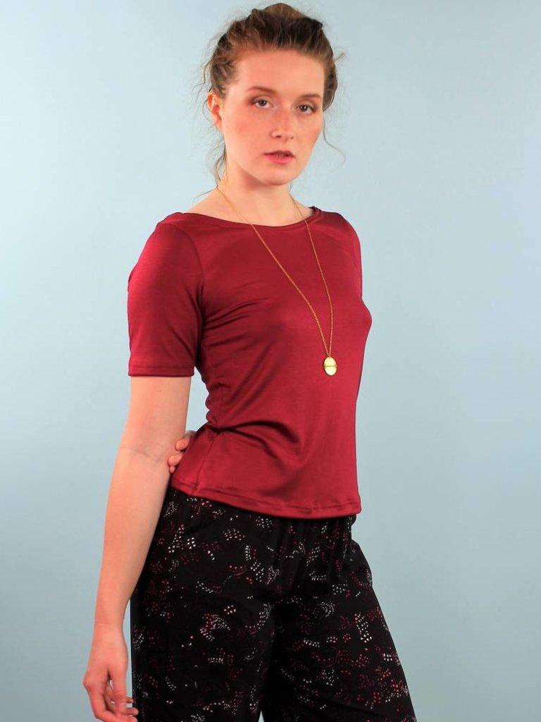 Sarah Bibb Caroline Tee - Sangria