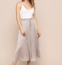 All In Favor Pleated Gaucho Pants