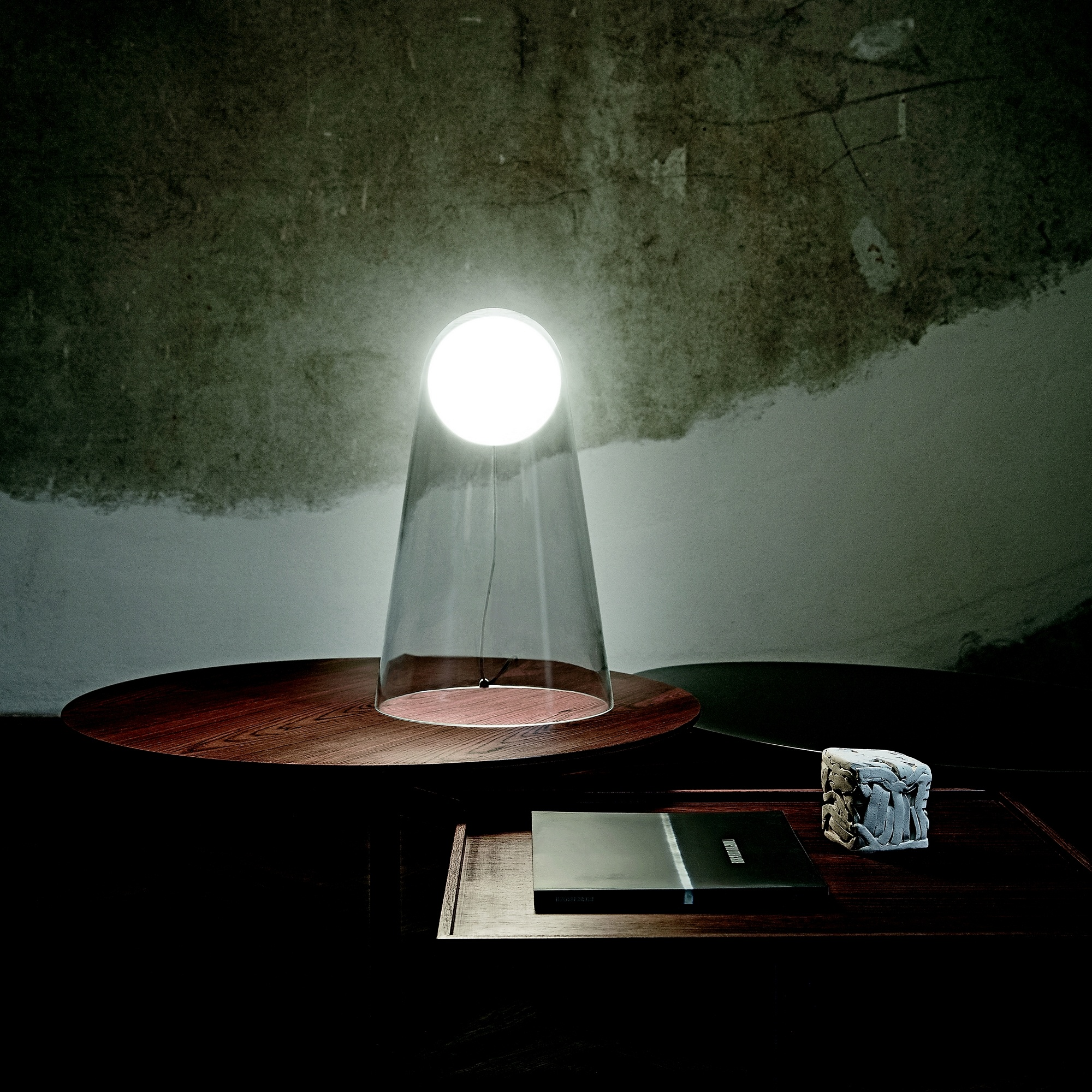 Satellight Table
