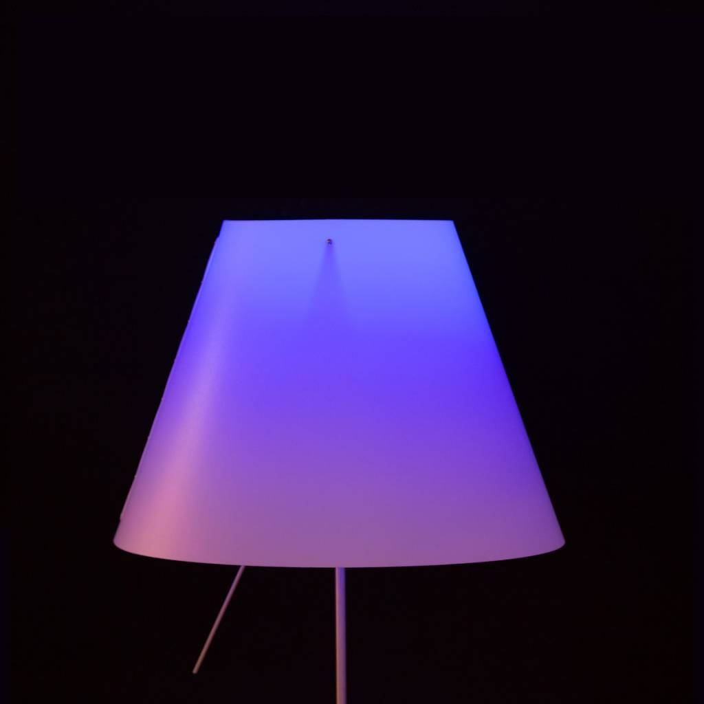 Costanza with Philips Hue Table Lamp