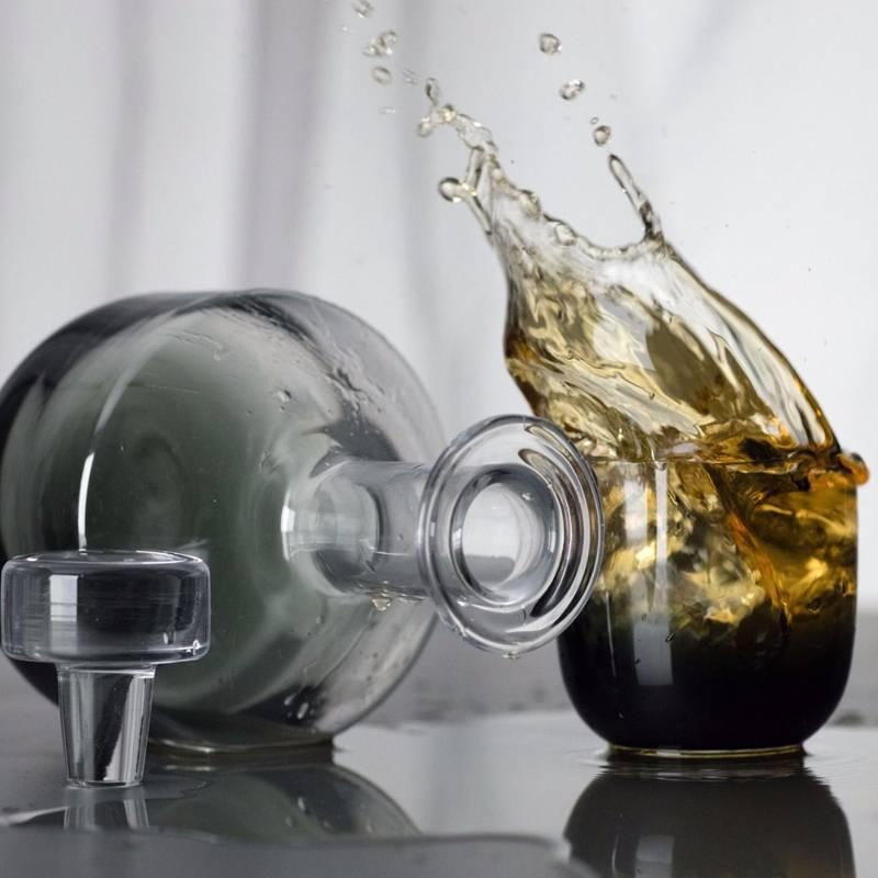 Tank Whiskey Decanter Black