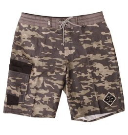 Salty Crew fisher camo utility trunk