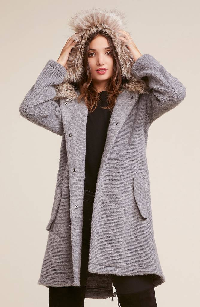 BB DAKOTA RIBBED COAT WITH FAUX FUR HOOD BI300210