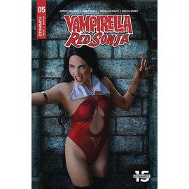 Dynamite VAMPIRELLA RED SONJA #5 CVR E COSPLAY