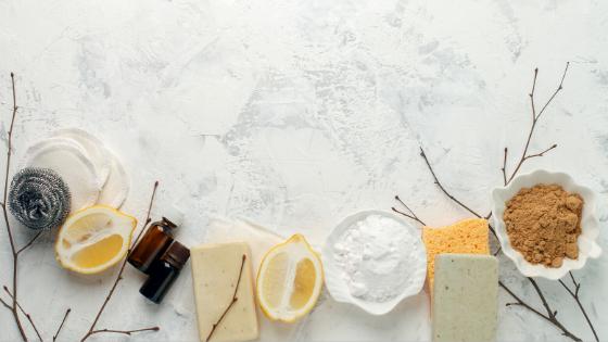 Les produits ménagers traditionnels vs les produits naturels
