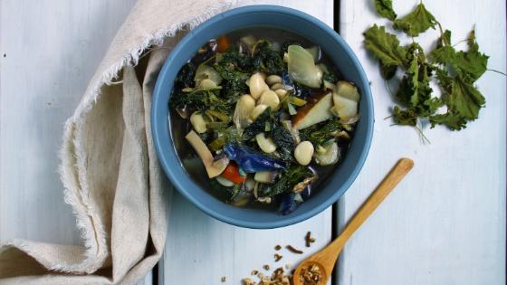 Soupe nutritive & nettoyante du printemps