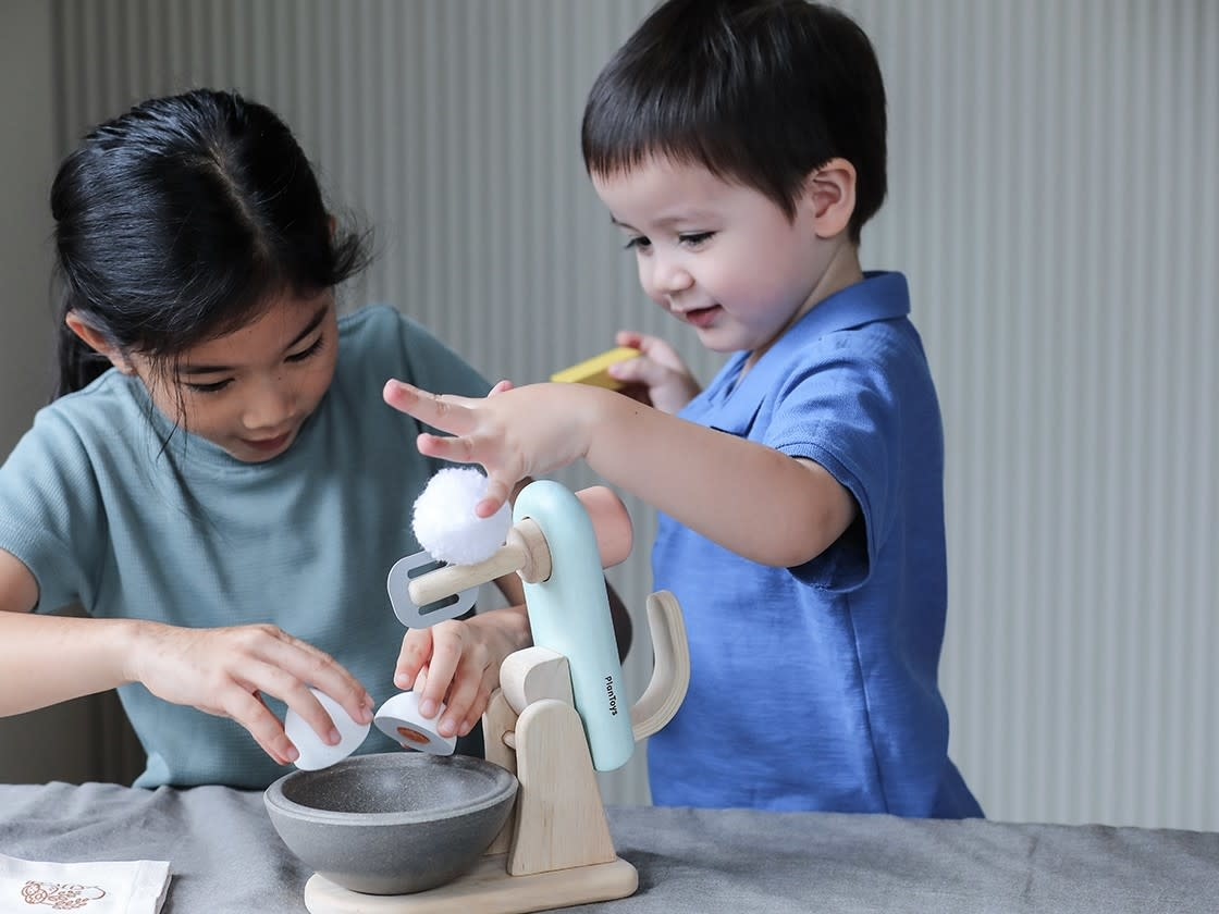 Plan Toys Stand Mixer Set