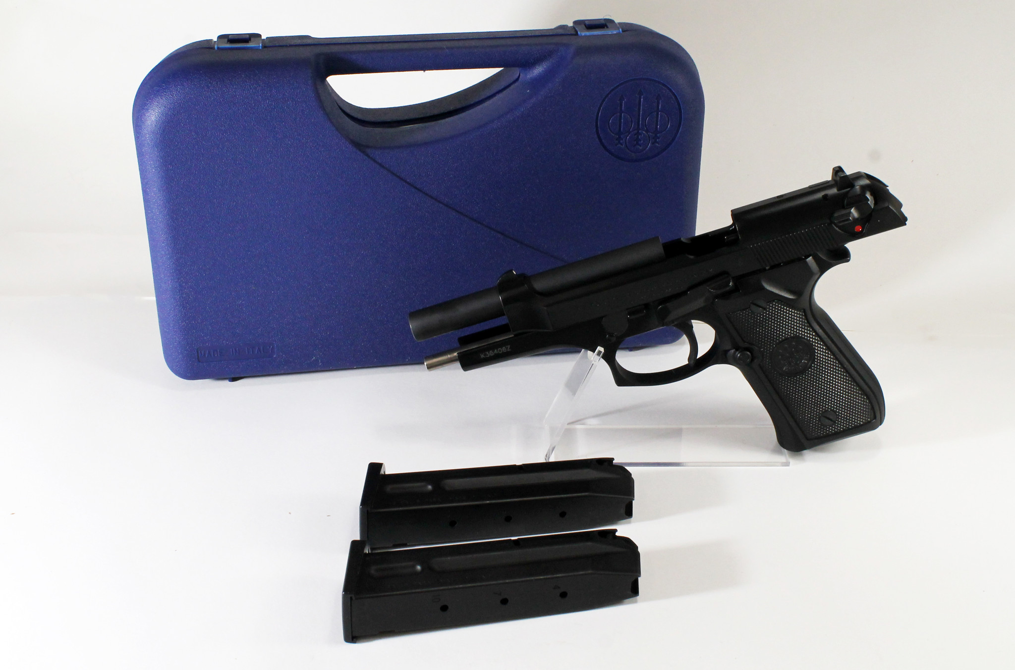 Beretta UHG-6737 BERETTA 92 FS 9 MM WITH CASE 2MAGS