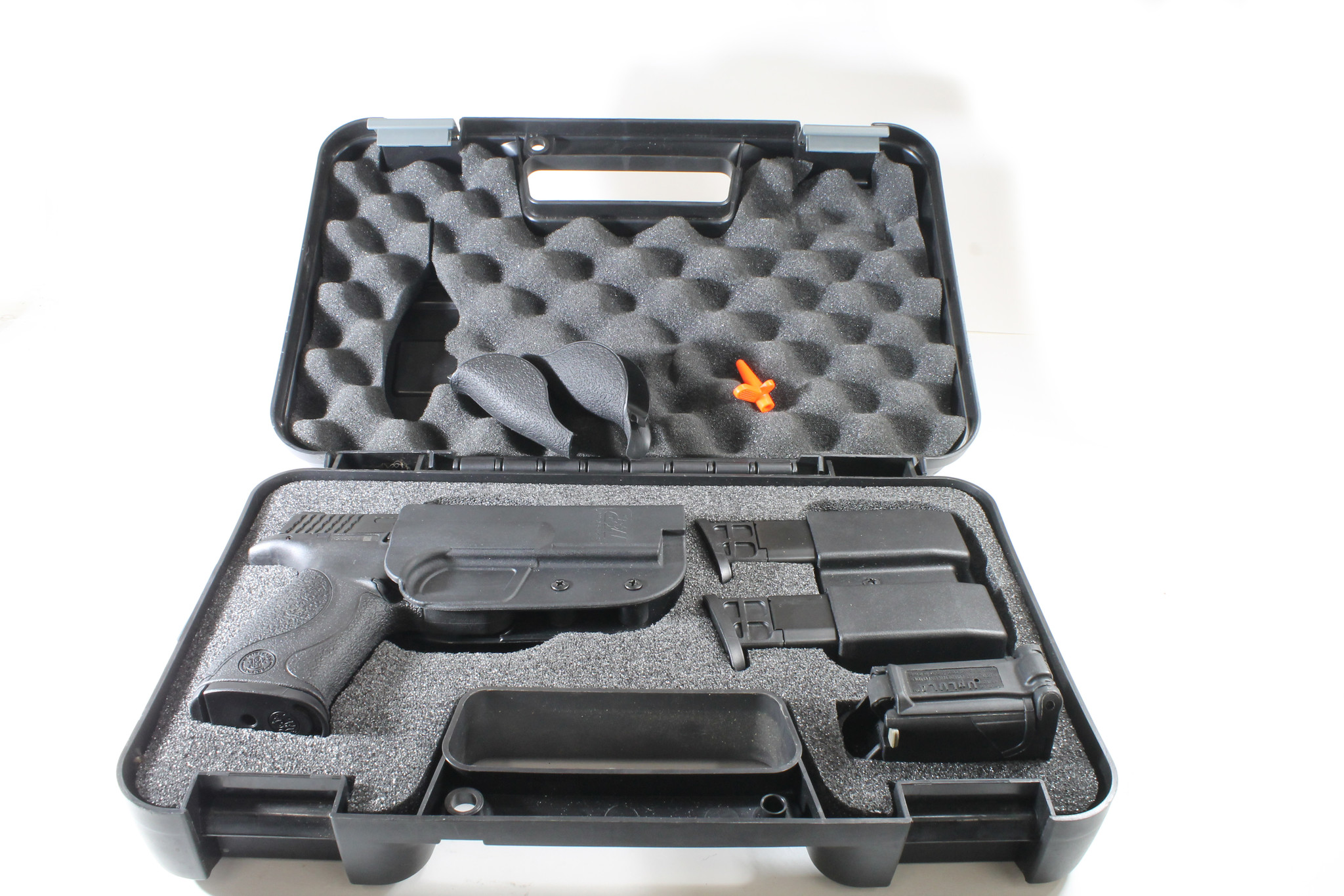 USED UHG-6733 SMITH & WESSON M&p 9MM WITH RANGE KIT
